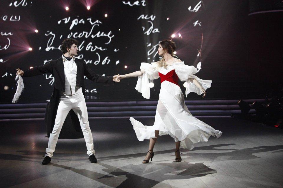 Танці з зірками 2017 9 выпуск Надя Дорофеева и Евгений Кот - фото 83605