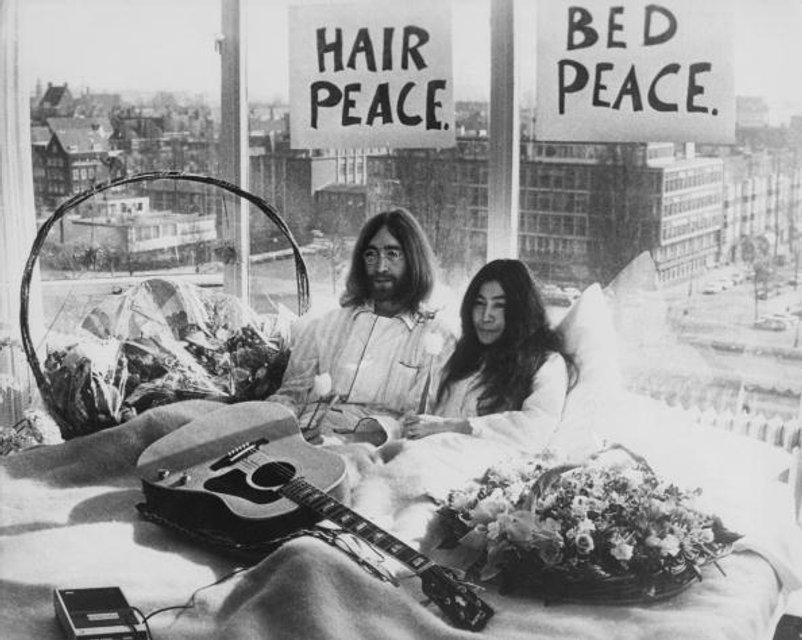 История любви Джона Леннона и Йоко Оно - одна душа на двоих и пять выстрелов в спину - фото 79835