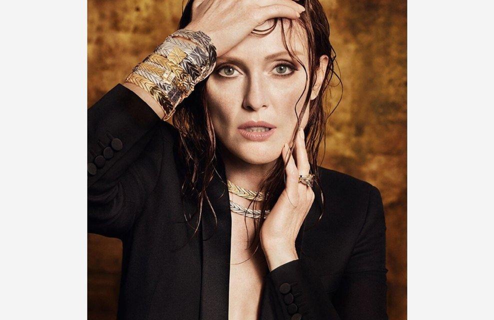 Джулианна Мур снялась топлес в рекламе ювелирных изделий - фото 82868