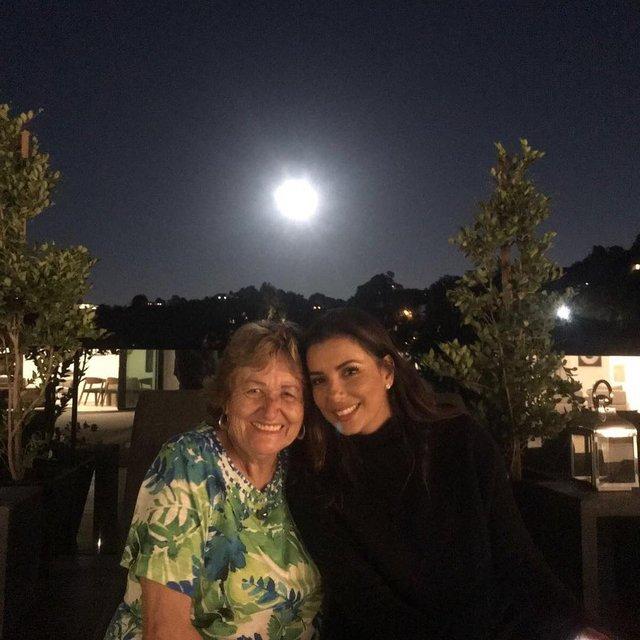 Ева Лонгория с мамой - фото 79226