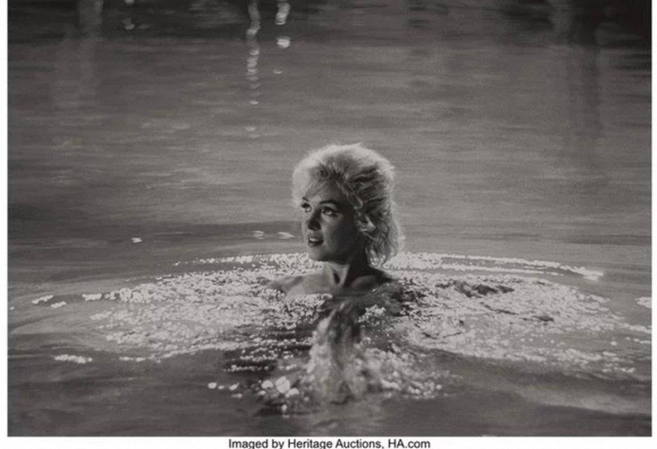 Откровенные фото Мэрилин Монро продадут на аукционе за $35 тысяч - фото 79422