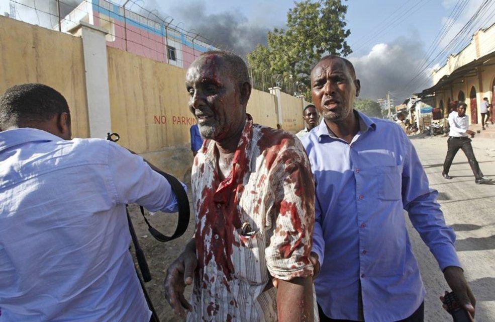 200 человек ранены  - фото 81806