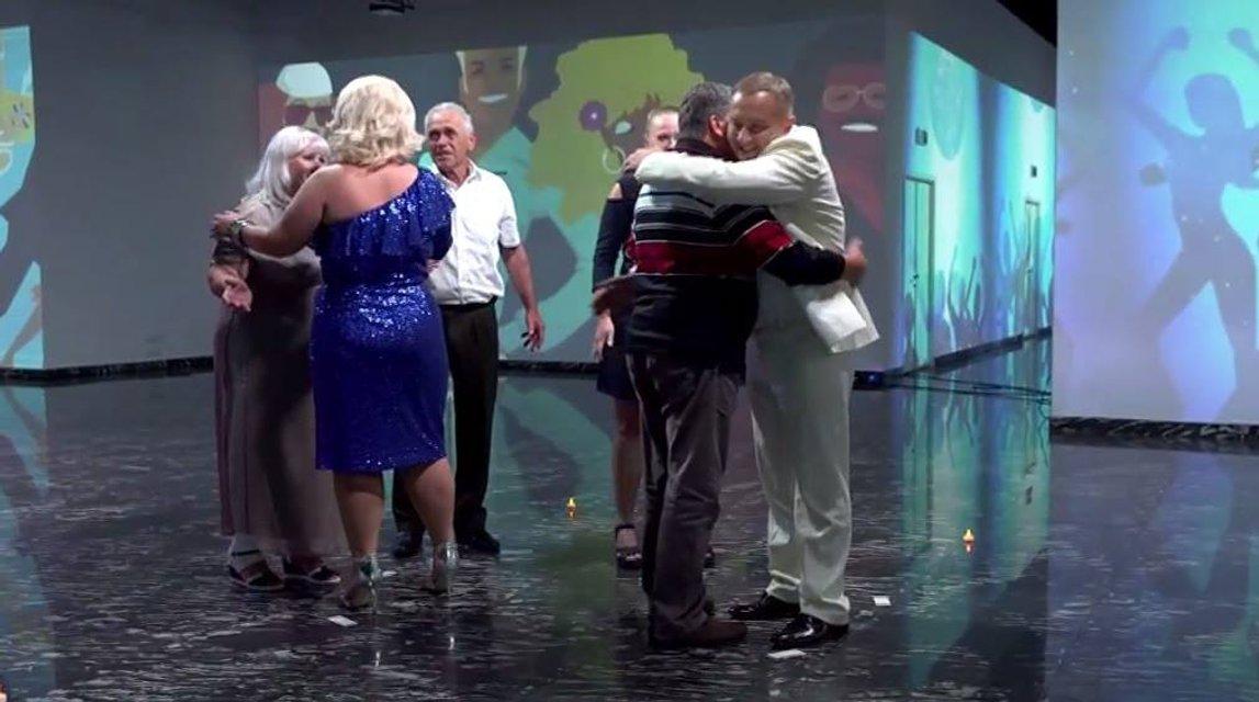Зважені та щасливі 7 сезон 13 выпуск: Алина Буць и Максим Письмиченко в стиле диско с родными - фото 92272