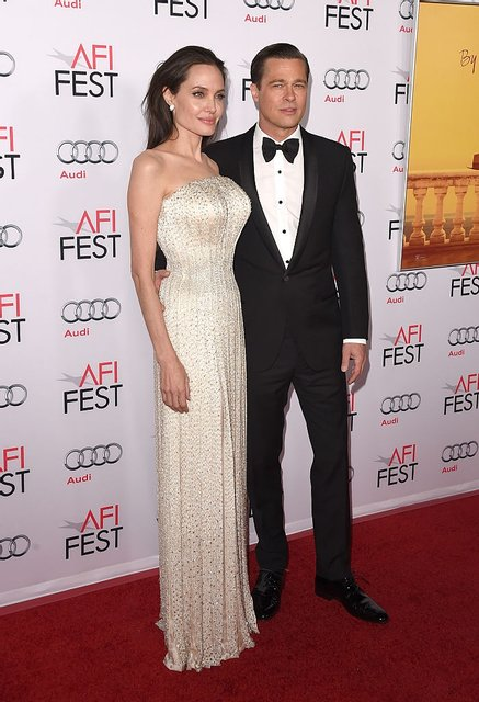 Анджелина Джоли хочет помириться с Брэдом Питтом - фото 93853