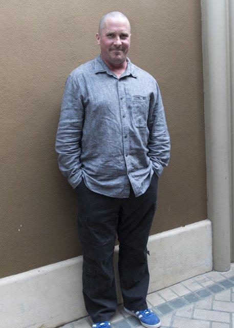 Растолстел: Кристиана Бейла не узнали из-за лишнего веса - фото 90008