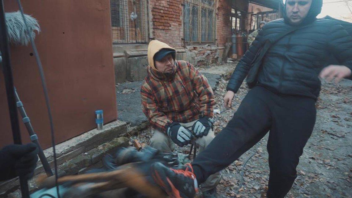Полиция и активисты 'Национального корпуса' подрались из-за съемок сериала об НКВД - фото 93451