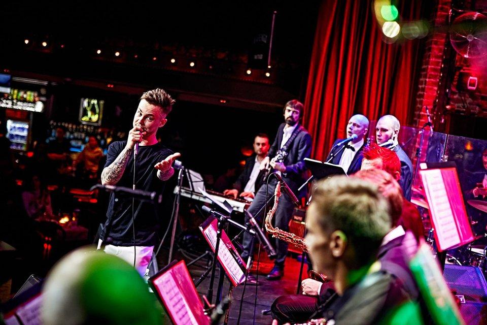 Артем Пивоваров выступил в сопровождении живого оркестра (фото) - фото 93459