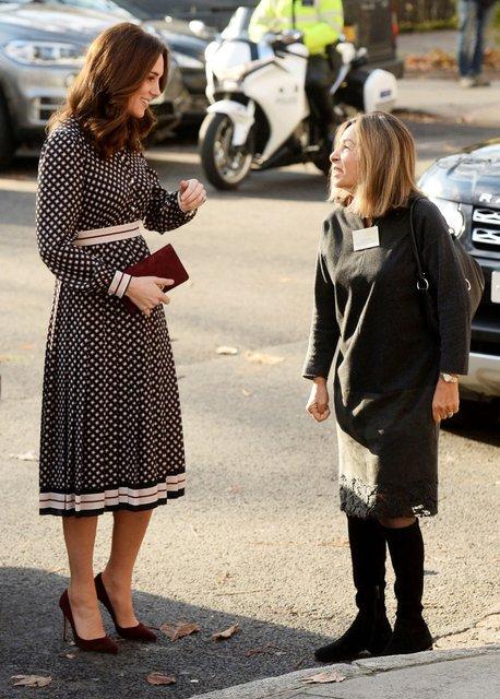 Кейт Миддлтон прокомментировала помолвку принца Гарри - фото 93548