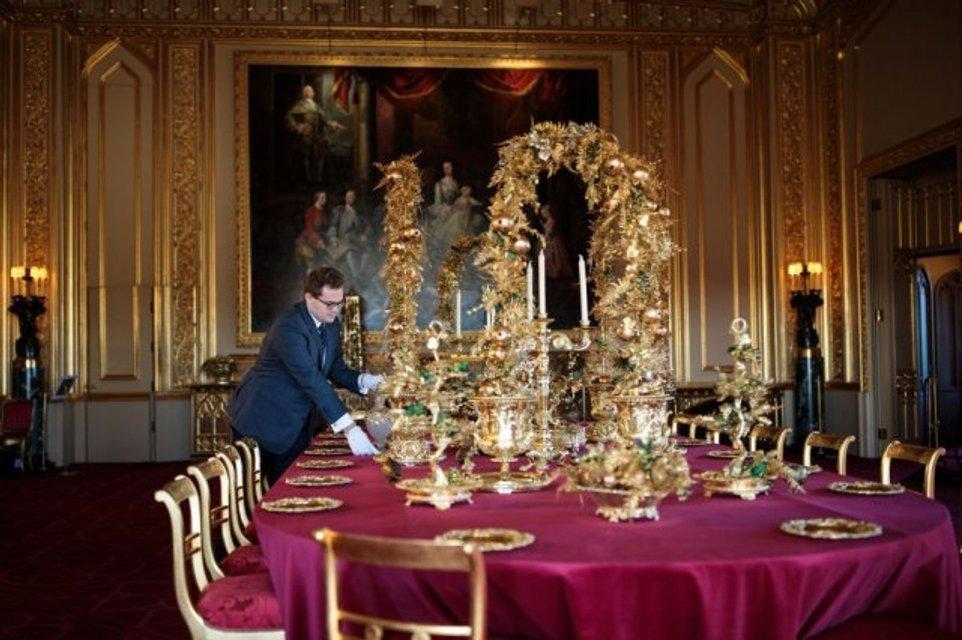 К Рождеству готовы: королевская семья украсила Виндзорский замок - фото 92770
