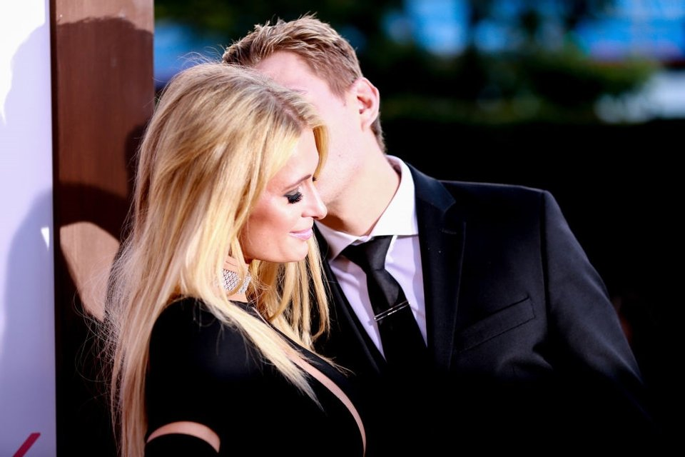 Пэрис Хилтон выходит замуж - фото 93436