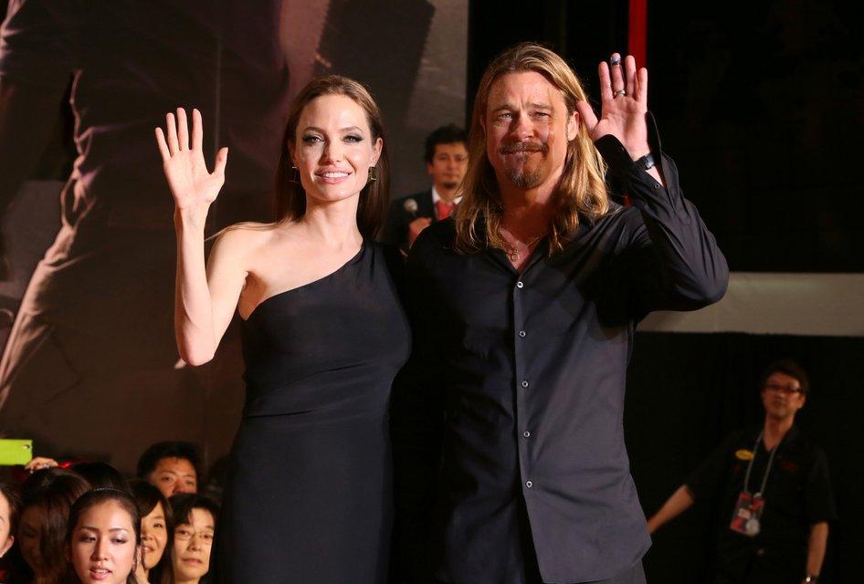 Анджелина Джоли хочет помириться с Брэдом Питтом - фото 93858