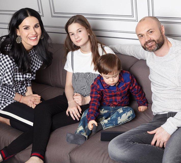 Маша Ефросинина опубликовала снимок мужа-чиновника с сыном - фото 92883