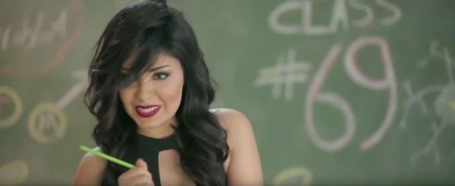 Египетскую певицу арестовали за эротические сцены в клипе - фото 91466