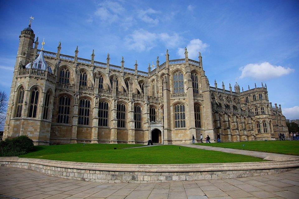Названы дата и место проведения свадьбы принца Гарри и Меган Маркл - фото 93556