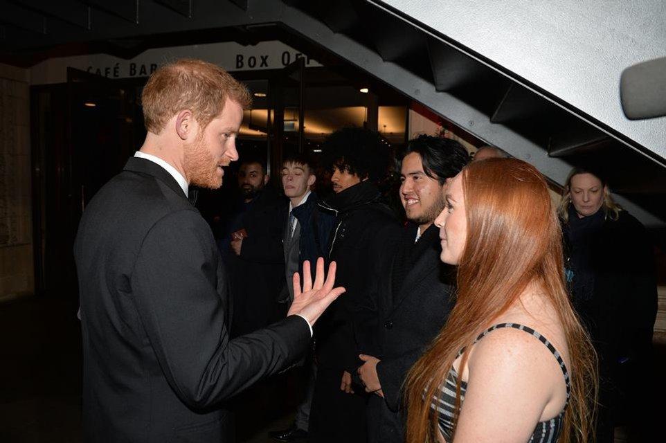 Принцы Уильям и Гарри без вторых половинок посетили премьеру новых Звездных войн - фото 96878