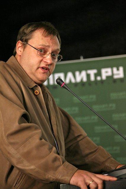 Сломал нос: Сын Высоцкого устроил пьяный дебош на банкете Союза кинематографистов - фото 96529