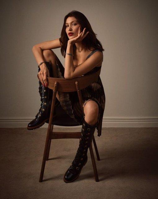 Белла Хадид в нижнем белье украсила обложку популярного глянца - фото 99319