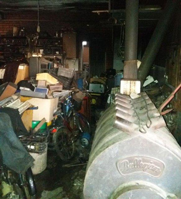 Пожар на складе в Мариуполе - фото 94574