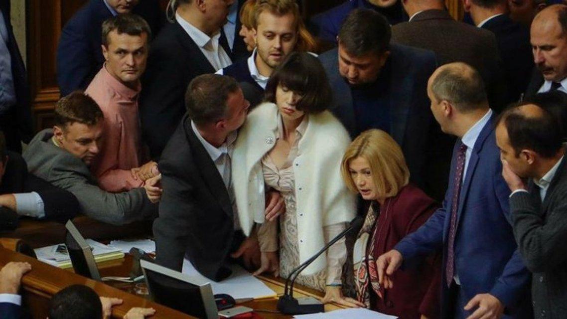 Зашквар недели: Законопроект против НАБУ и САП, задержание Саакашвили и отставка Соболева - фото 96270
