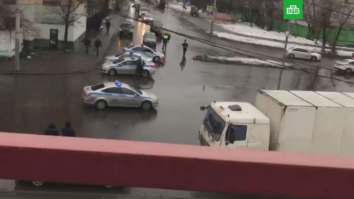 В Москве директор кондитерской фабрики устроил стрельбу, есть погибший - фото 99525