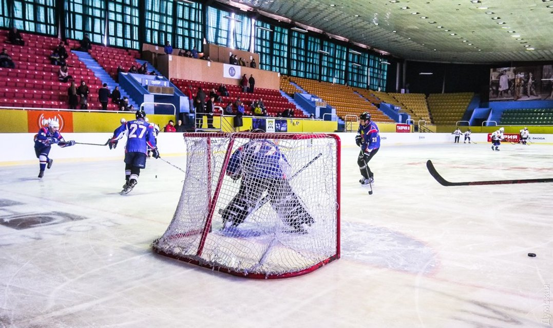 Хоккей в Одессе - в допотопном зале и без зрителей - фото 96248