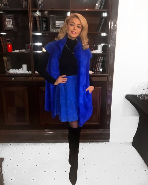 Алина Гросу пришла в новом образе на московскую премьеру 'Елок' - фото 98256