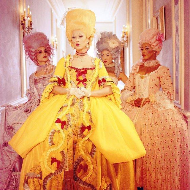 Hey Hey Hey: Кэти Перри примерила образ Марии-Антуанетты на съемках клипа - фото 98414