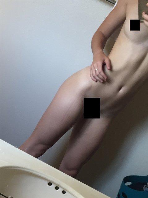 Интимные фото обнаженной звезды сериала Под куполом Маккензи Линтц попали в сеть, 18+ - фото 98343