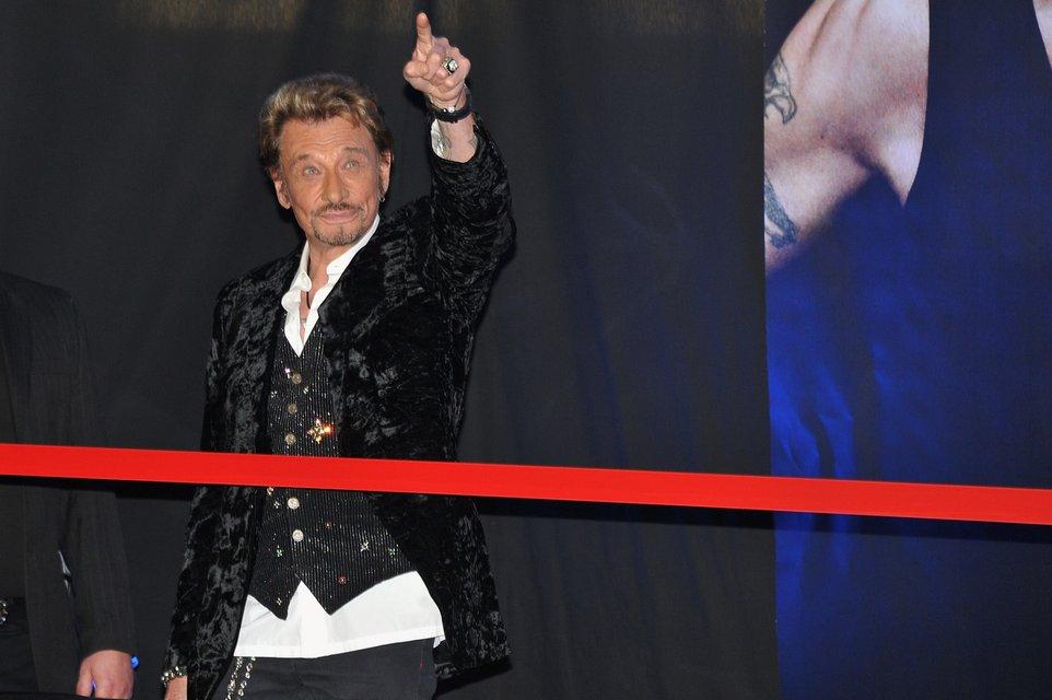 Во Франции умер рок-легенда Джонни Холлидей - фото 95228