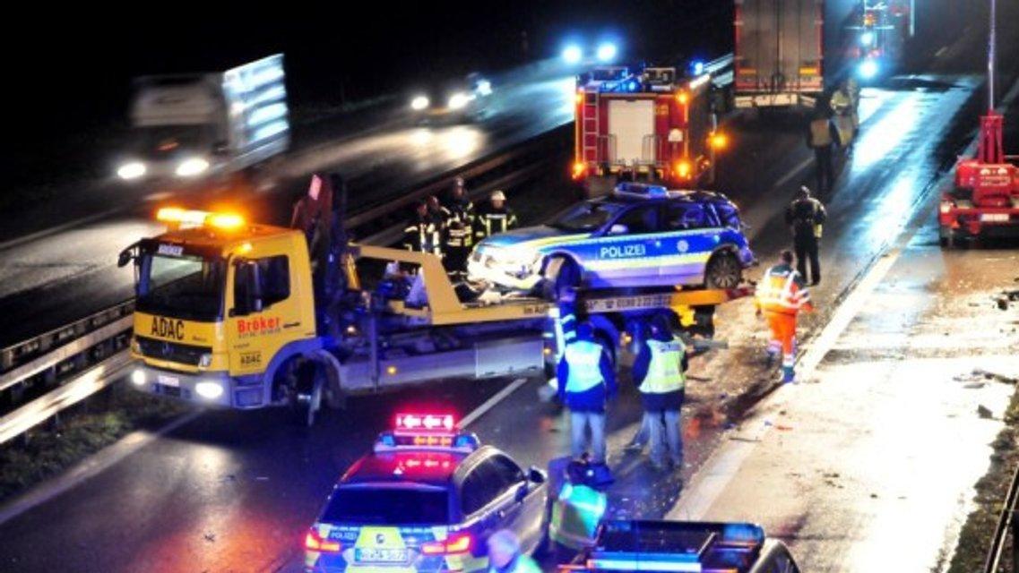 Пьяный украинец протаранил полицейское авто в Германии: новые подробности - фото 100013