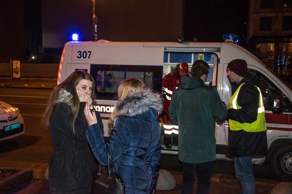 Работники киевской пиццерии избили своих посетителей - фото 97607