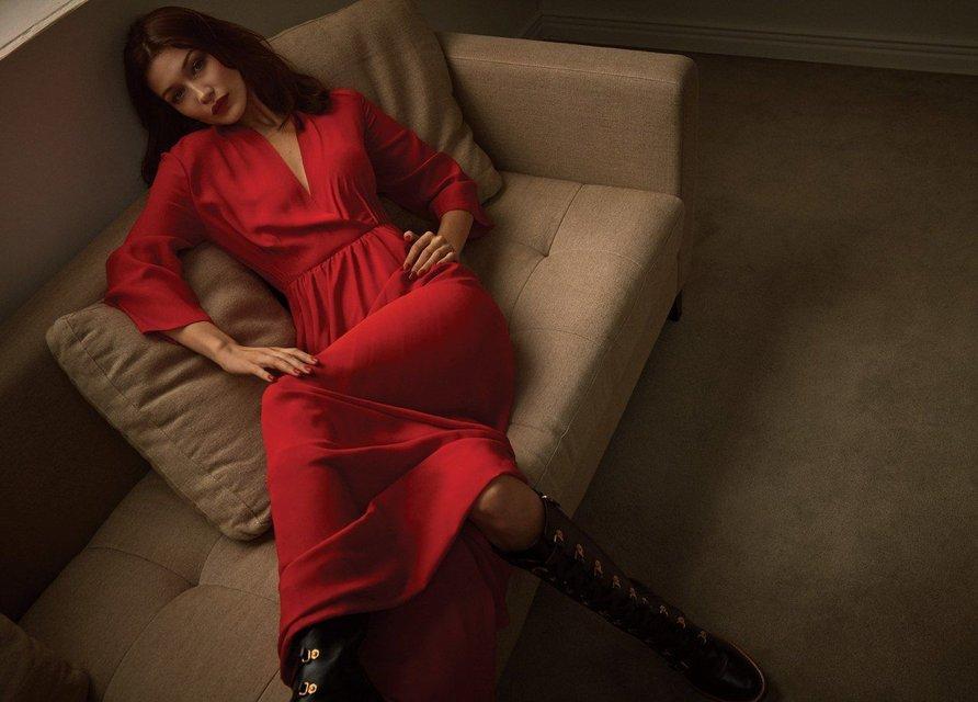 Белла Хадид в нижнем белье украсила обложку популярного глянца - фото 99314