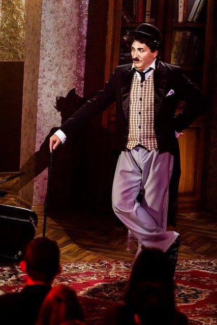 Вечерний Киев 2017 7 сезон 4 выпуск: Юрий Горбунов в образе Чарли Чаплина - фото 97361
