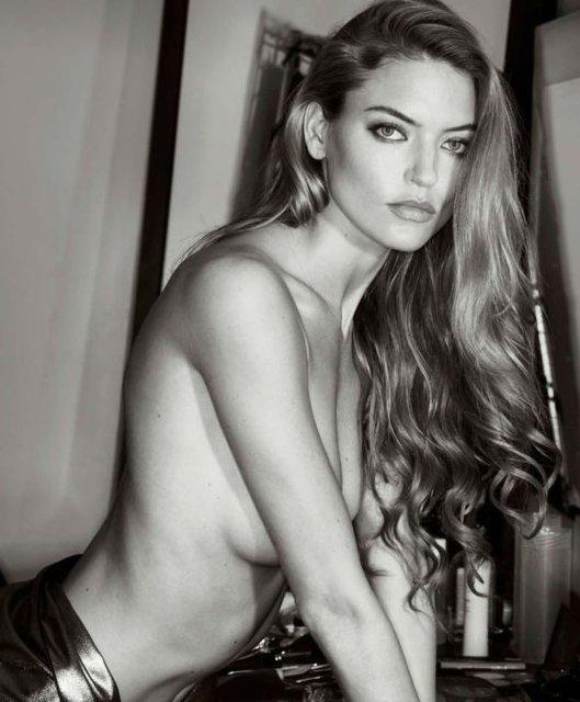 Сайт голых фотосессий борьба голыми любовницей