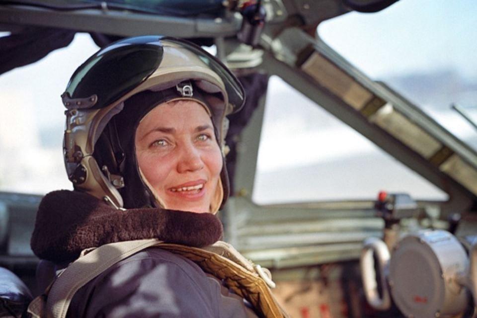 Умерла Марина Попович – первая женщина-летчик, преодолевшая звуковой барьер - фото 94130