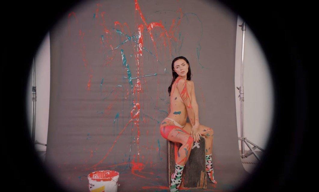 'НЕАНГЕЛЫ' разделись в новом клипе 'Это любовь' - фото 99373