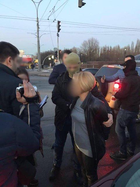 В Киевской области чиновница взяла взятку машиной - фото 99451