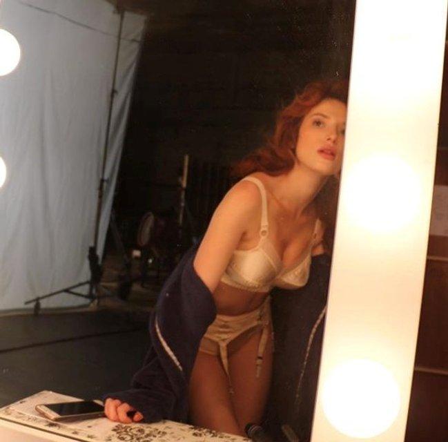 Белла Торн опубликовал интимные фото в белье, 18+ - фото 99586