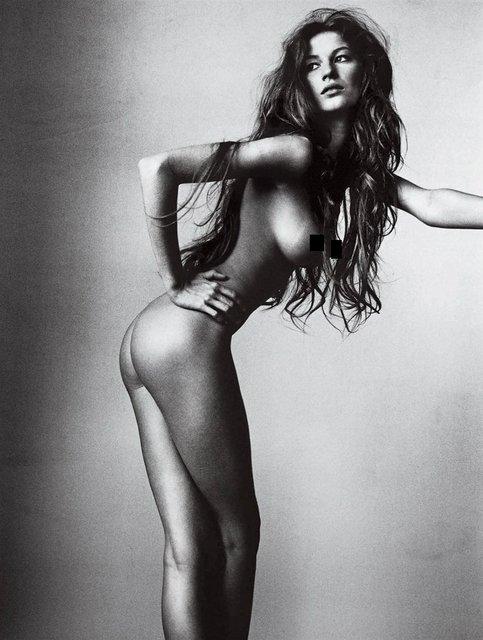 Интимные фото обнаженной супермодели Жизель Бюндхен слили в сеть - фото 99232