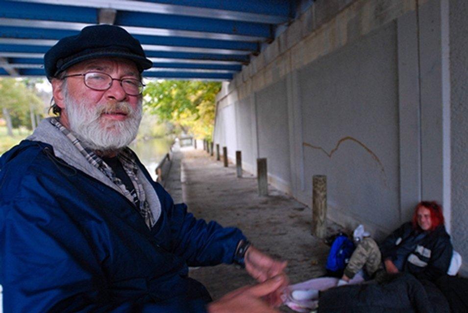 Брат Мадонны семь лет прожил на улице - фото 99447