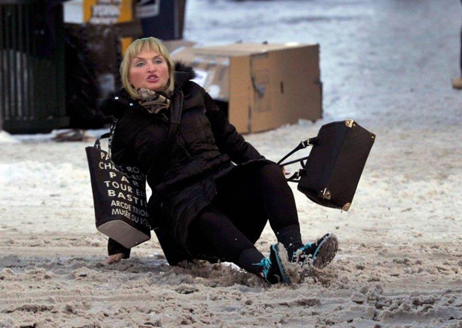 Порошенко, Гройсман и ко: Украинские политики на льду - фото 98042
