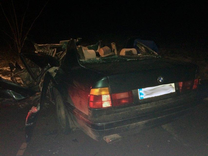 В Житомирской области BMW влетел в школьный автобус, есть погибший - фото 96444