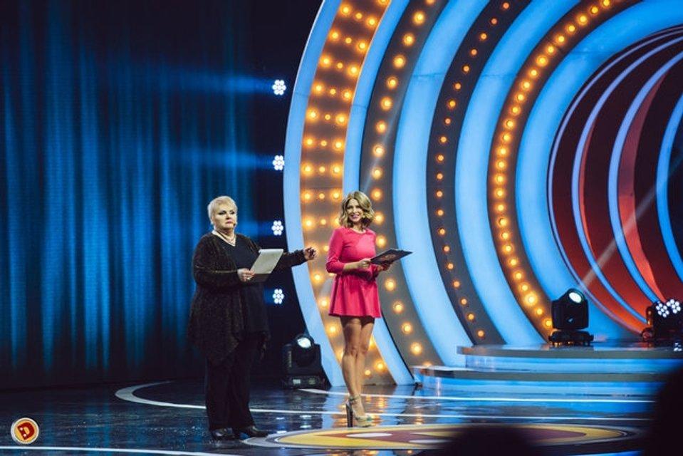 Дизель шоу: Яна Глущенко в откровенном наряде похвалилась идеальной фигурой - фото 95029
