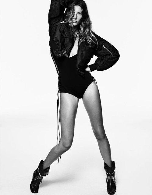 Легендарная модель Жизель Бундхен появилась без трусов на страницах Vogue - фото 98644