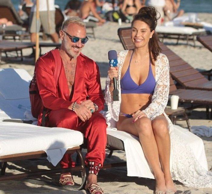 Танцующий миллионер Джанлука Вакки попался на пляже с новой красоткой - фото 95083