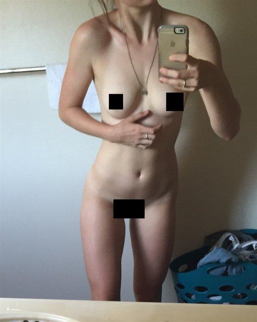 Интимные фото обнаженной звезды сериала Под куполом Маккензи Линтц попали в сеть, 18+ - фото 98342