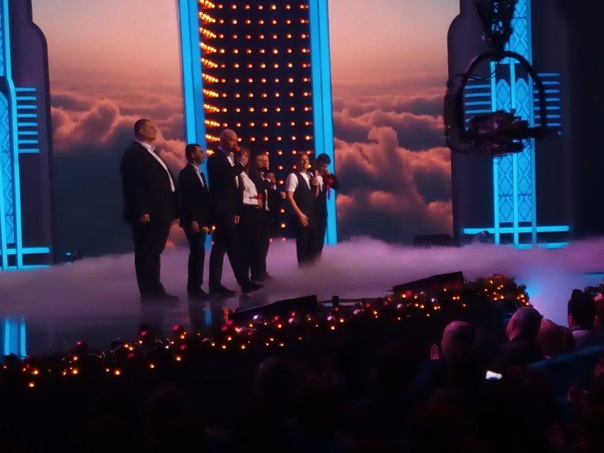 Вечерний Квартал в Новый Год покажет политиков под марихуаной и сериал Сваты - фото 96665
