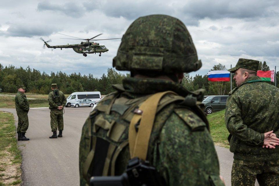 Брязкання зброєю - улюблена російська гра - фото 95525