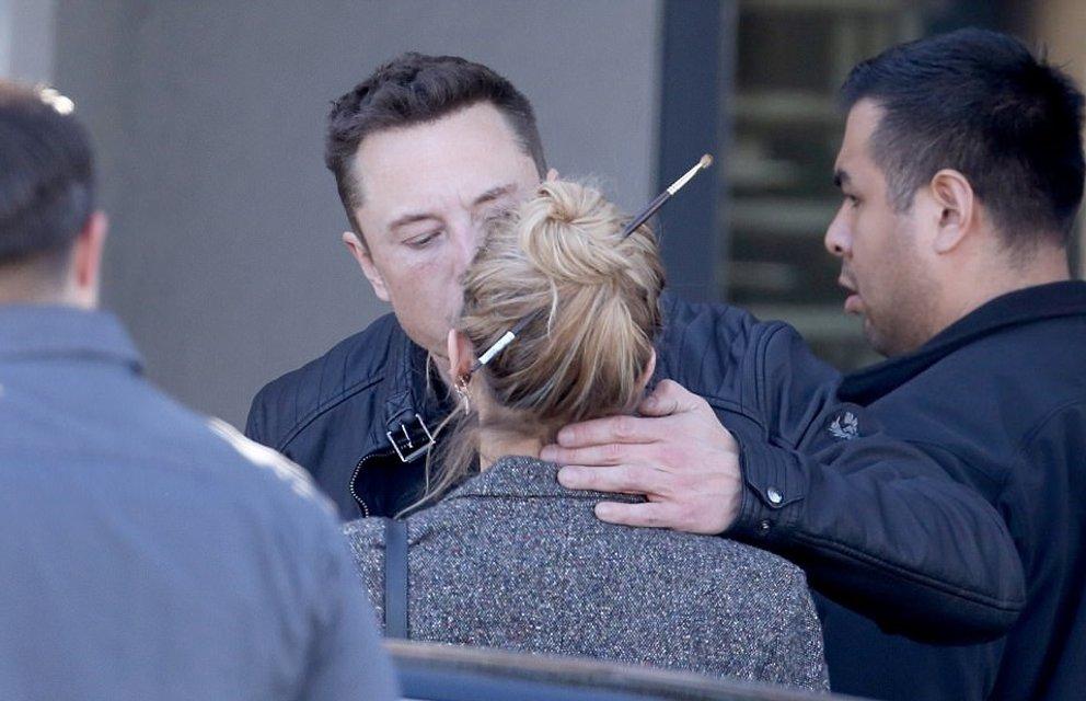 Эмбер Херд застукали за поцелуями с экс-любовником Илоном Маском, ФОТО - фото 99307