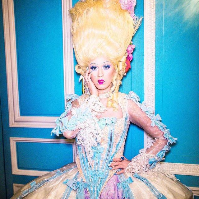 Hey Hey Hey: Кэти Перри примерила образ Марии-Антуанетты на съемках клипа - фото 98413